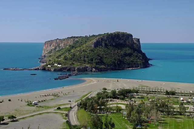 praia-a-mare-1706703_640