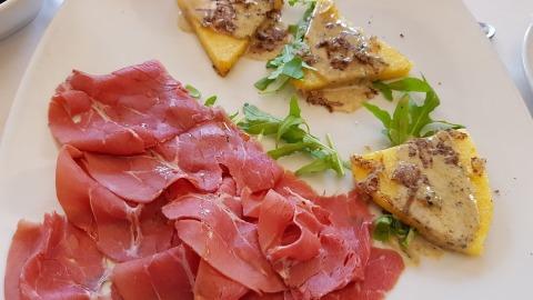 mazo-speziato-e-crostini-di-polenta
